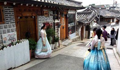 things to do in bukchon hanok village