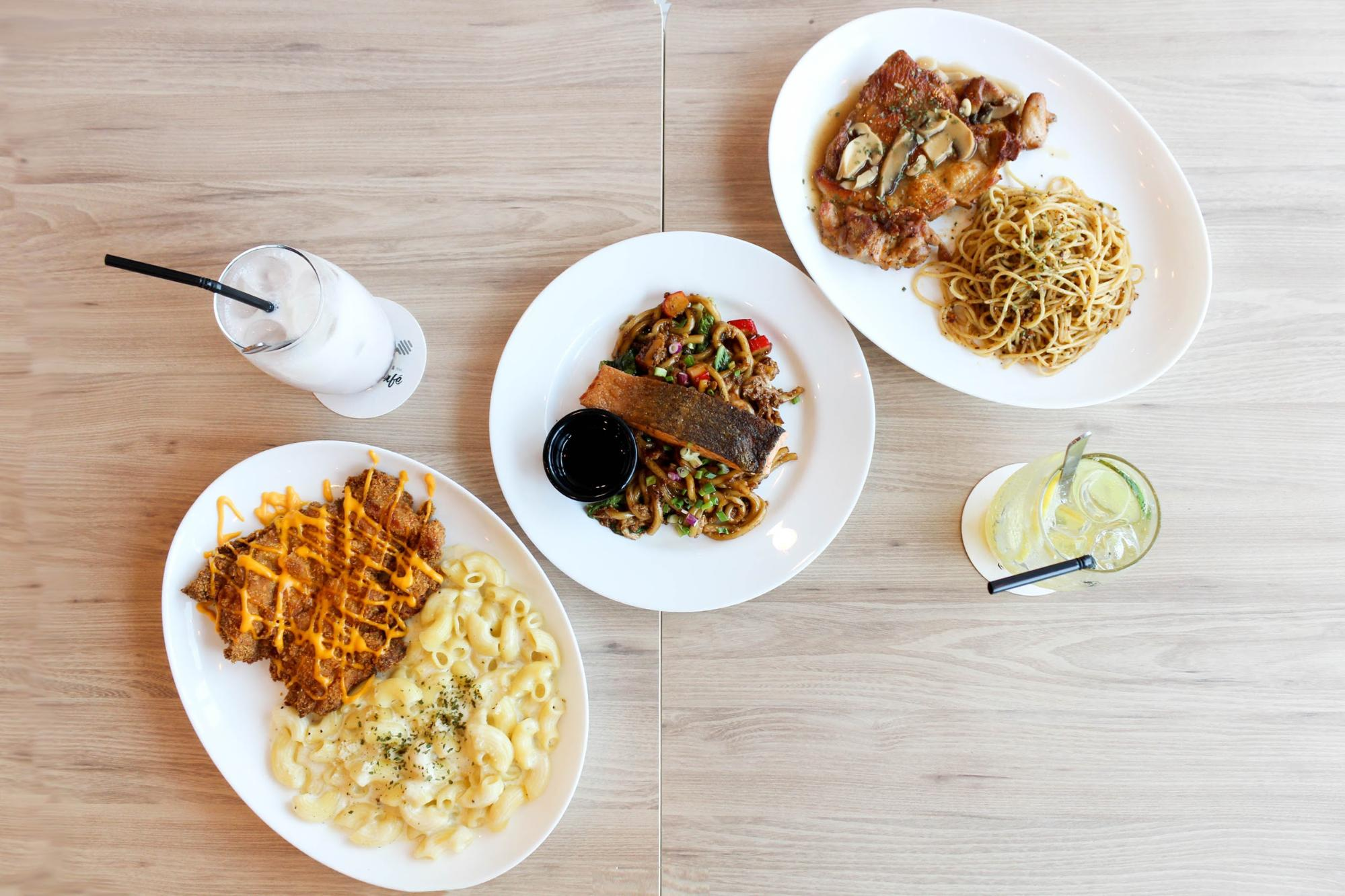 Food at HyfeCafe