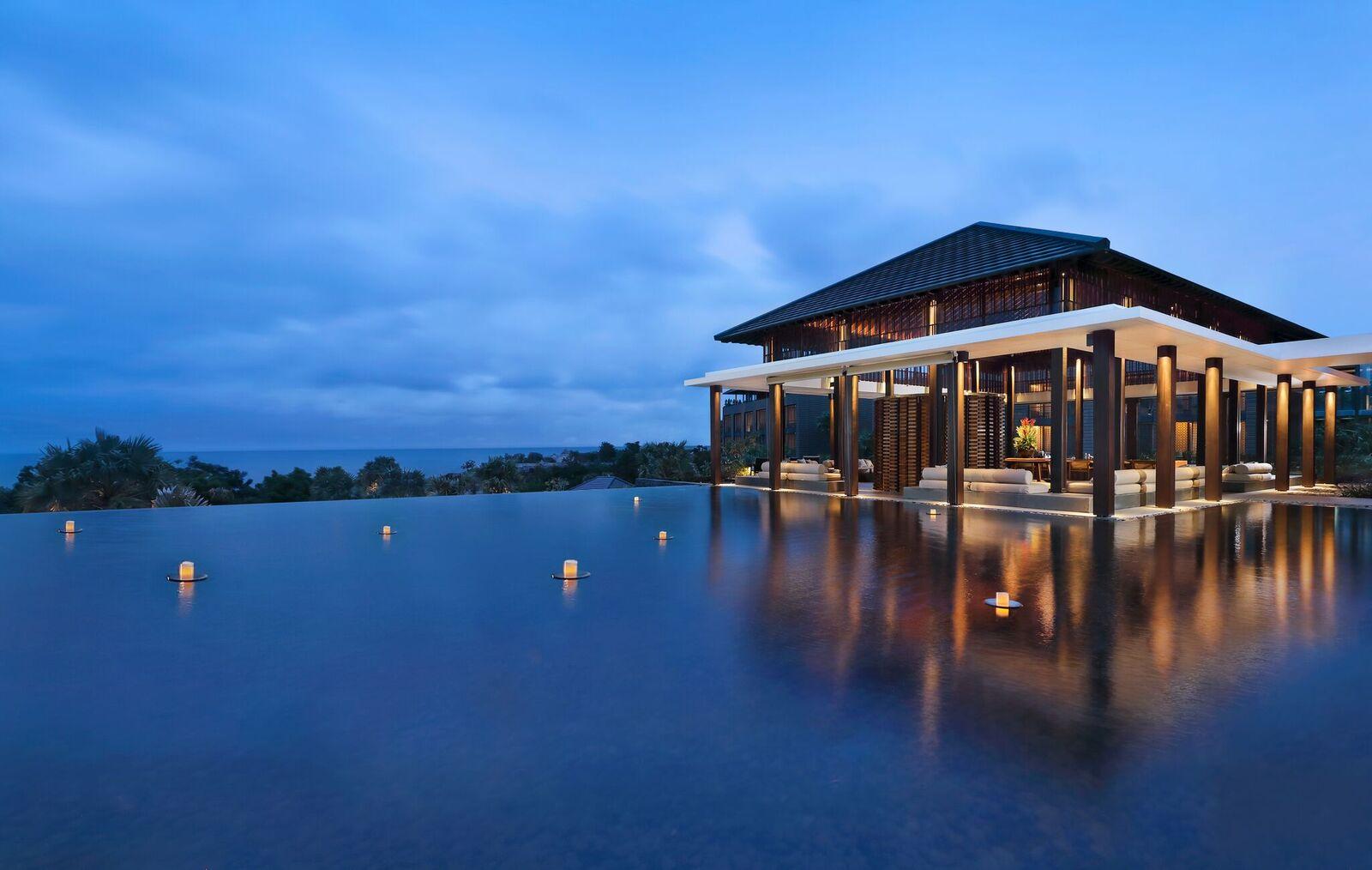 "Radisson Blu Bali Uluwatu: The New Pinnacle of Bali, The ""Cowabunga"" of Hotels"