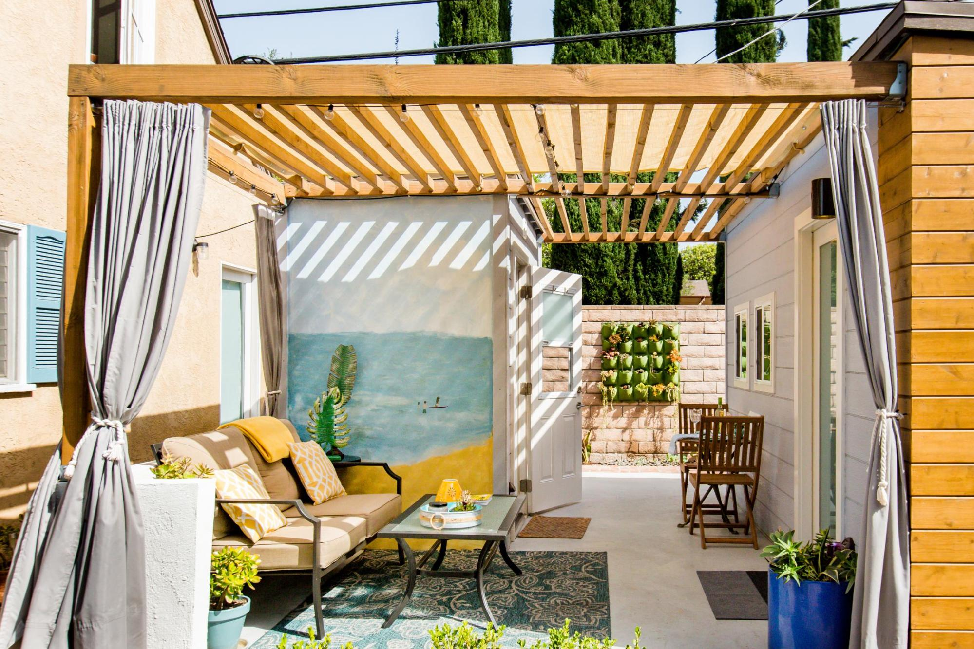 12 Instagram-Worthy Airbnbs in Los Angeles for Your Next Visit