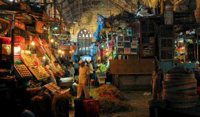 budget food and shopping in mumbai