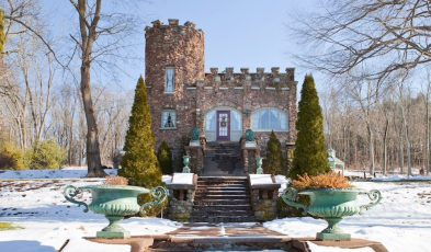 airbnb castle