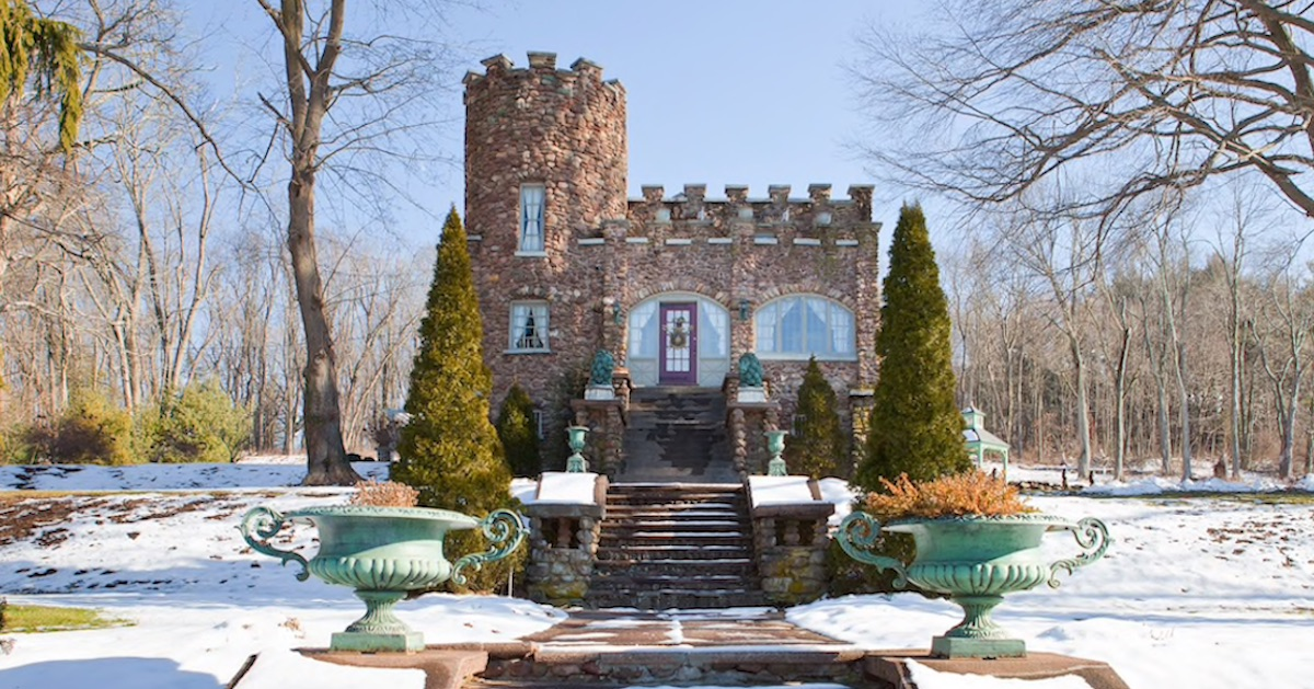16 Magnificent Castles on Airbnb That Will Make You Feel Like Royalty