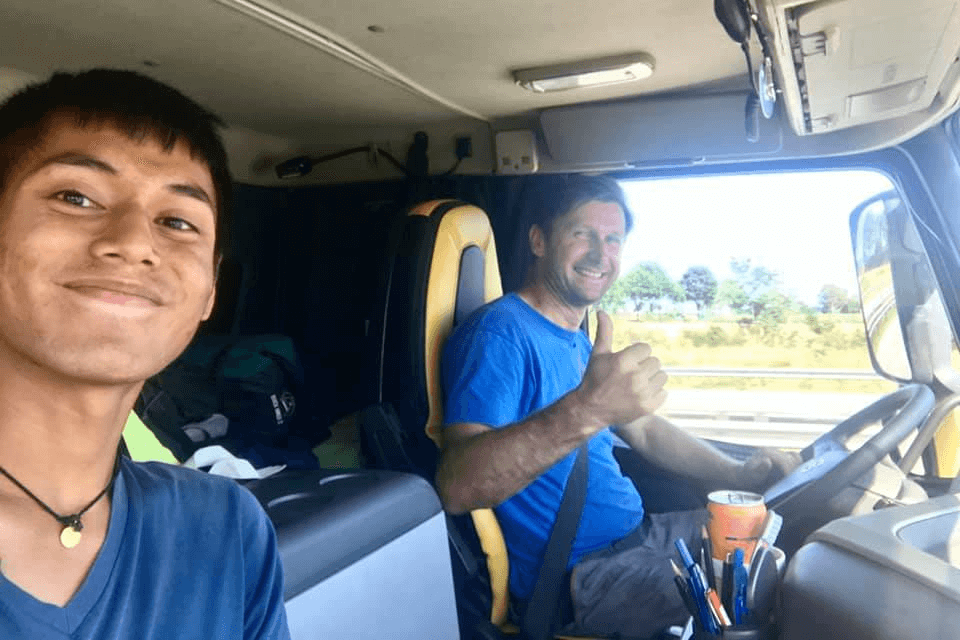 Backpacker Travels From Singapore to Canada Without Flying
