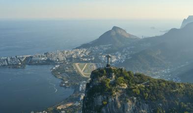 The Pedra Do Telégrafo Illusion — It's Dangerous Even If It's Bogus